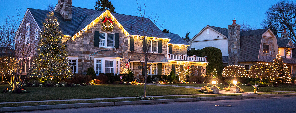 Beautiful holiday decorations with Pacific Lawn Sprinklers!