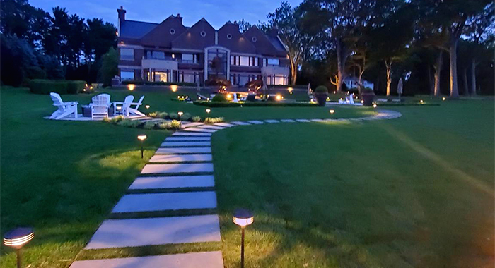Beautiful landscape lights for walkways